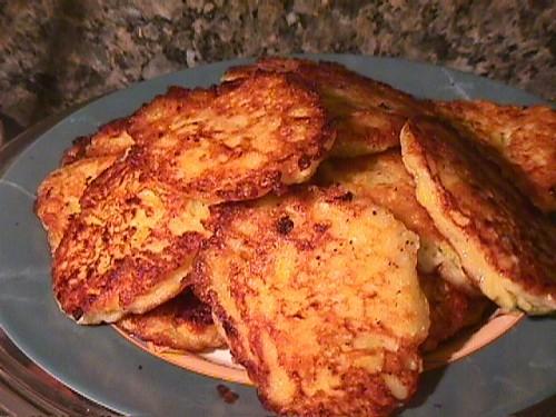 Наш обед: соляночка со свининкой салатик - по мотивом салата от Алла1 +макарончики и оливки=нечто в... - 3