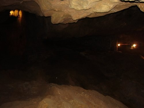 Вдвоем с братом мы побывали в пещерах Loral caves (не претендую на правильность названия, что-то в...