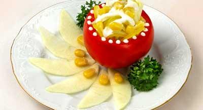 Симпатичное украшение фаршированного помидора , уже для взрослых Грибочки рулетики из салата - очен...