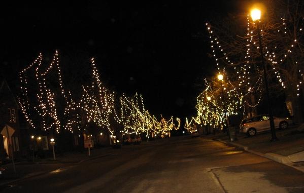 Ну что, начну показ уличных украшений домов к Рождеству - 5