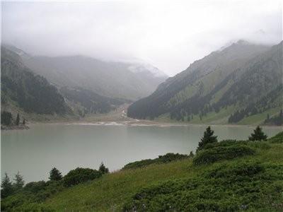 А теперь немного окрестностей Алматы Большое Алматинское озеро: Аксайское ущелье, мужской монастырь... - 2