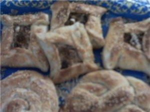 остальные булочки тоже в них ложила ореховую начинку ещё сделала корзиночки их делал очень просто р...