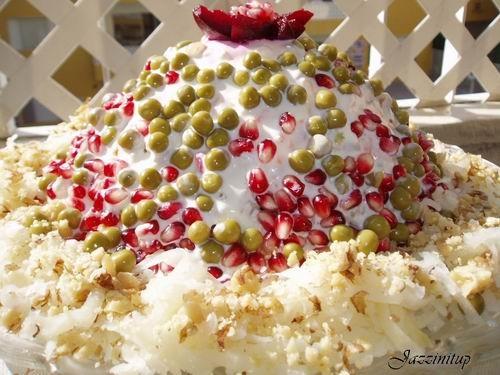 Сегодня мы идем в гости,я вчера сделала Царский торт и салат шапка Мономаха (идея с главной страниц...