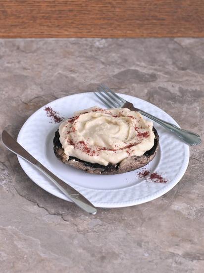 Паштет из нута с тофу на печёном портобелло