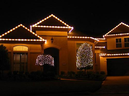 Мне очень нравится, как украсили эти соседи - простая элегантность: - 3