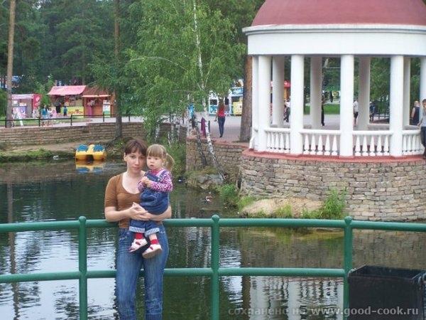 Это еще фото из Челябинска с фотоаппарата сестры, так что тут даже есть я) Дочка с двобродным братом Это снова ЦПКи... - 8