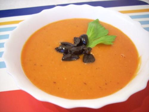 Паппа ал помодоро (томатый суп с хлебом) Запеченный луковый суп (Gratinee des halles) Суп-пюре из б...