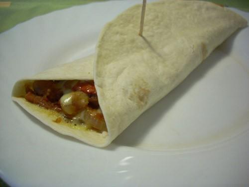 варианты хлебных завтраков: Бутерброд с лососем и авокадо - 2