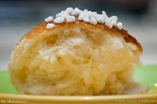 Калорийные булочки Рецепт взяла ОТСЮДА 1,5 чашки муки + ещё 2-3 ложки 15 г свежих дрожжей (5 г сухих) 100 мл молока 1... - 2
