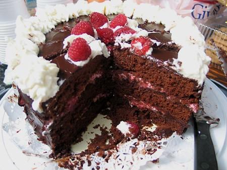 , по описанию (много сахара, ваниль в сливках) должно быть действительно вкуснее - 3