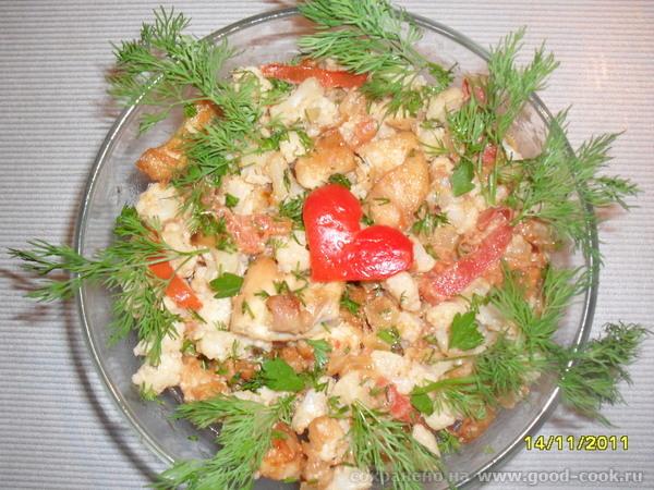 Курица с цветной капустой и помидорами