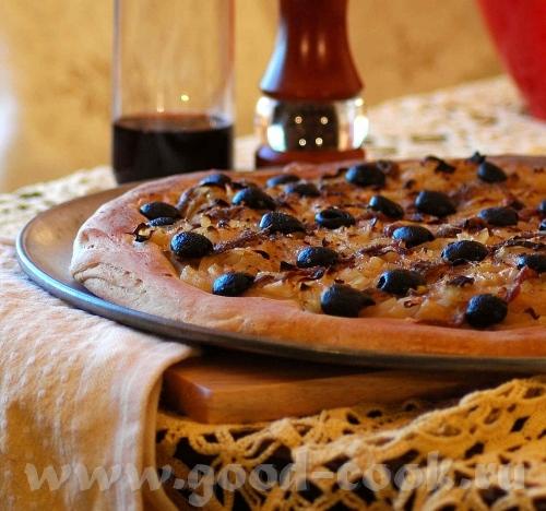 Это одна из вариаций классической итальянской пиццы, родилась эта пицца в Нице