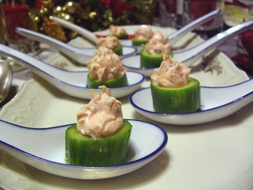 Закуска с креветками и крем -чизом Мусс из авокадо с крабом Закуска из мусса с лососем в сервировоч... - 3