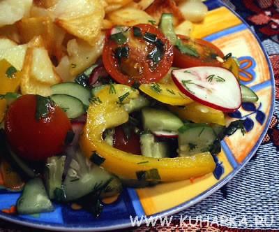 У нас сегодня был постный ужин: картошечка и овощной салатик Я тут каждый день извращаюсь, а это пр...