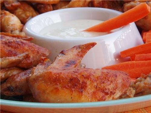 Вот такими крылышками вас накормят в Баффоло, НЙ, откуда и пошло название этого блюда - 2