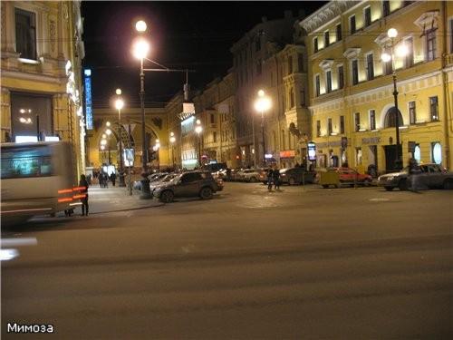 Арка Главного штаба - сворачиваем на Дворцовую площадь Крайний правый дом полностью И вот уже видна... - 2