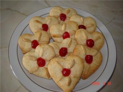 Привет, можно к вам с печеньками Миндальные сердечки На 45шт: 200г сахара, 2яйца, 1 яичный желток,...