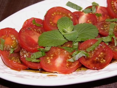 Маринованные помидорки от с кукинга Ризотто с грибами На десерт Тирамису Всевозможные блины, икра,...