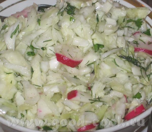 И снова пятничный ужин, ханукальный: (масло, много масла ) Капустный салат обыкновенный, с редиской... - 2