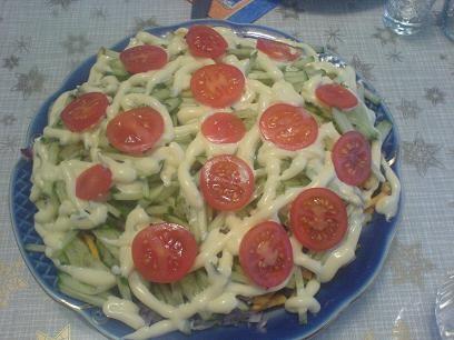 Ой как жалко, опять исчез мой рецепт любимого салата, которому дала название Салат- Денер- Кебаб