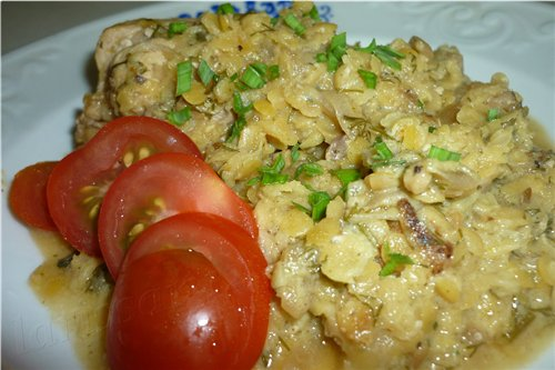 КРАСНАЯ ЧЕЧЕВИЦА С КУРИЦЕЙ И ГРИБАМИ 500 г куриного филе 100 г грибов (любых, по вкусу) 1 крупная л...