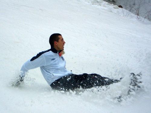 Погода у нас уже весенняя, снег только на горках и лежит Не обошлось и без падений - 3