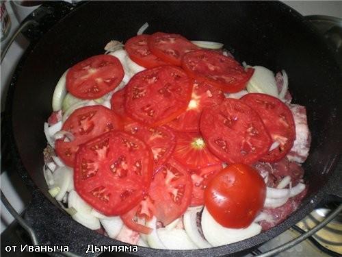 Потом берём пару БОЛЬШИХ и ОЧЕНЬ СПЕЛЫХ помидор - 2