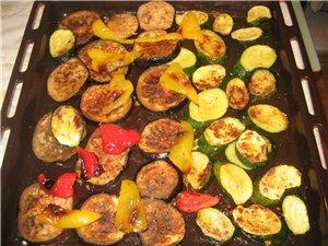 Готовила свинину с овощами гриль - 3