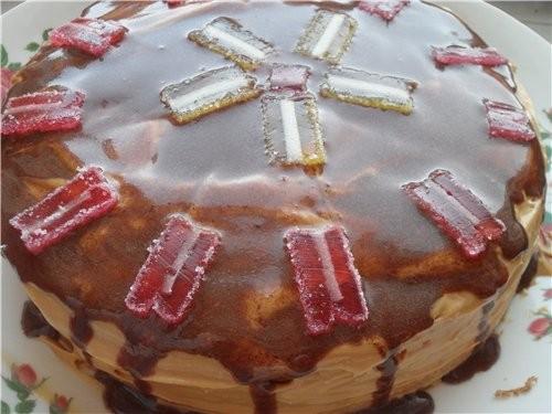 А еще у нас был тортик Коржи пакупные, крем (сгущенка+масло), и шоколадная глазурь+мармелад А также...