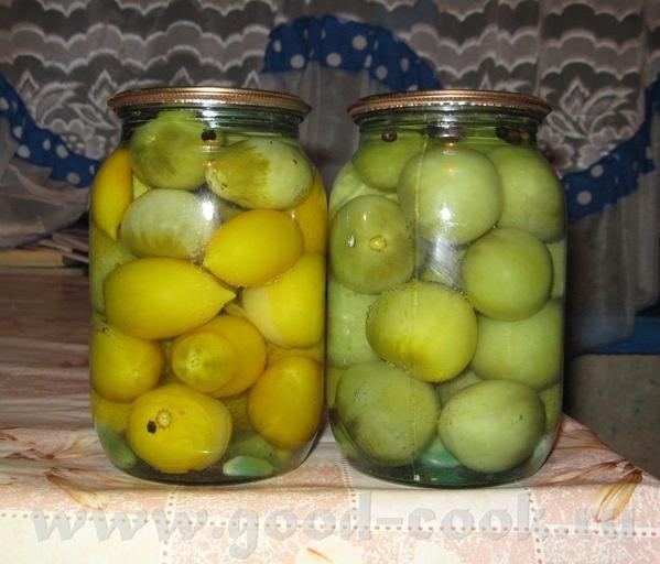 Консервированные зеленые помидоры И салат из капусты, здесь на форуме я видела несколько таких реце...