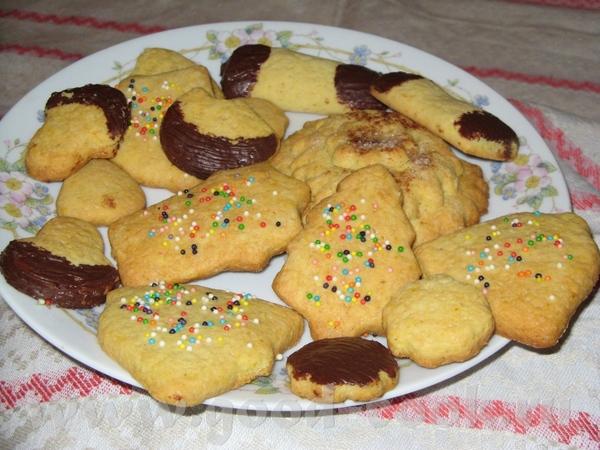 Девочки, а я вас угощу печенюшками, не очень полезными, но очень вкусными Не очень аккуратно сделан...