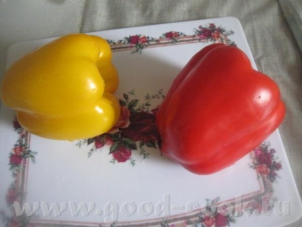 Нарезаем кольцами болгарский перец
