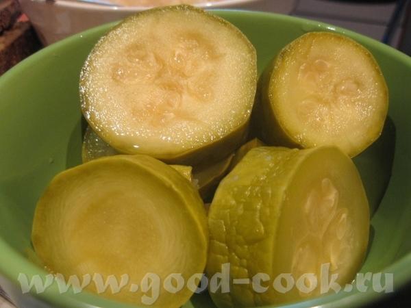 Кабачки маринованные (с лимонной кислотой) Ингредиенты (на 8-9 банок по 1,0 л): 5 кг молодых кабачк...