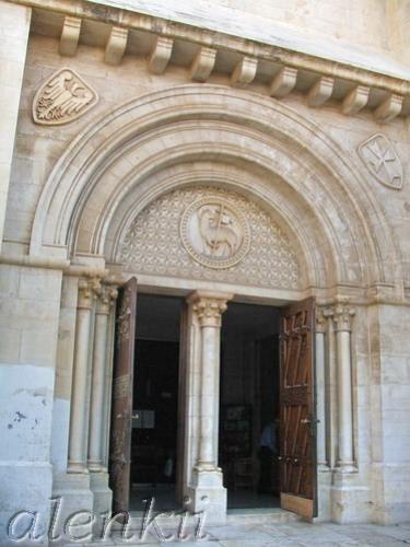 Еврейский квартал - лабиринт переплетающихся между собой средневековых улочек и переулков - 6
