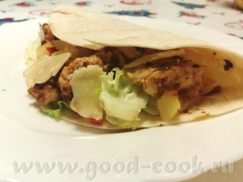 Бутерброды с авокадо, шпинатом и икрой Тортильи с крабовыми палочками Тортильи с индюшатиной и анан... - 3