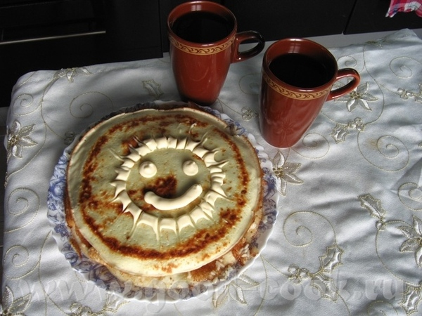 Блинный тортик от любимого блинчики обычные, между ними - обжаренный фарш с луком и рисом, надо был...