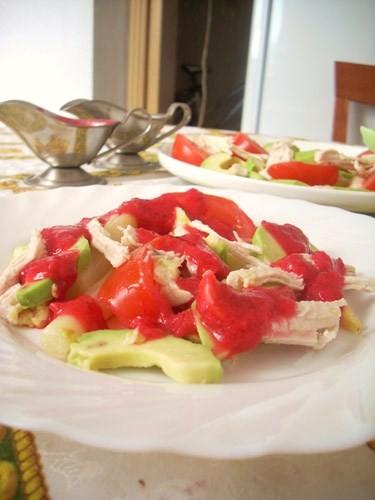 салат соорудила из того,что было- оказался довольно вкусным