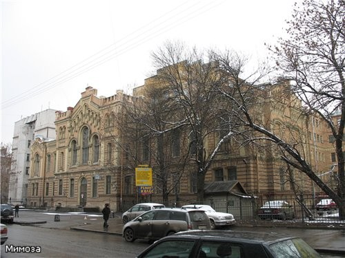 Мы сворачиваем на улицу Ломоносова - 2