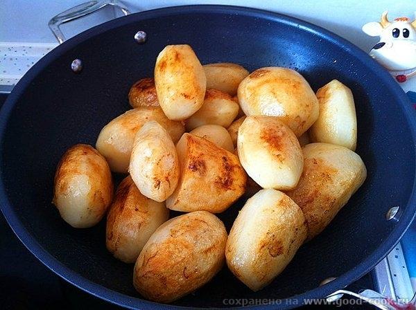 Рецепт прост: обжариваем картофель целиком, вынимаем откладываем посыпаем солью; обжариваем мясо, солим мясо и посыпаем... - 3