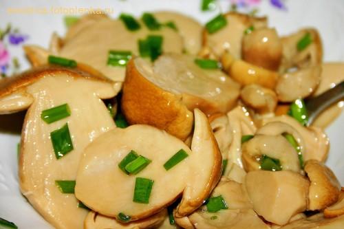 Салат с мидиями и авокадо - 2