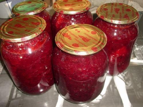 САЛАТ ИЗ СВЕКЛЫ (можно использовать как борщевую заправку) 4 кг свеклы 1,5 кг помидоров 500 гр болг...