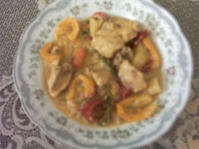 второй рецептик на сегодня курица с цветным перцем и приправой карри 1 грудинку курицы 1 луковицу 1...