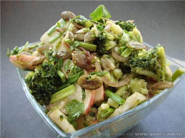 В общем то я хотела сделать салат один, потом другой, но не было тех продуктов, которые были нужны