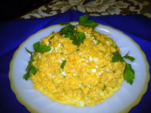 Салат из морковки с чесночком