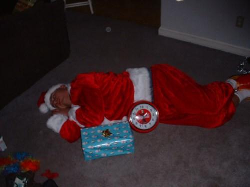 А у меня Дед Мороз остался ночевать