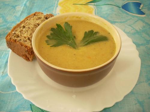 Сенегальский суп из курицы с яблоками и сельдереем Суп-пюре из кольраби Куриный суп-пюре с яблоком... - 4