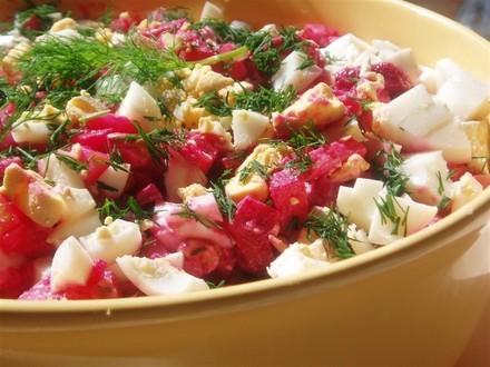 Этот салат похож на винегрет,только с другой заправкой - 2