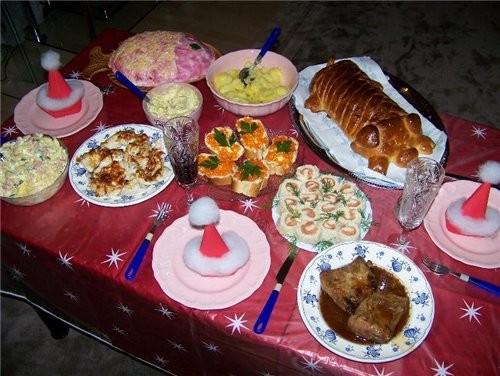 И я пришла со своим Новогодним ужином Вот :
