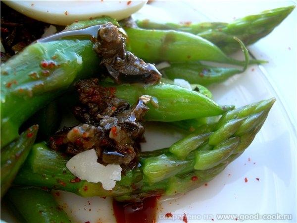 Салат из зеленой фасоли со спаржей