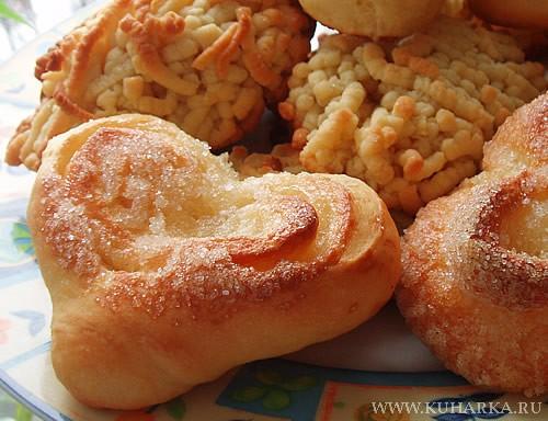 """Сегодня своим на завтрак испекла плюшки """"Сердечко"""" и печенье """"Макарошки"""""""